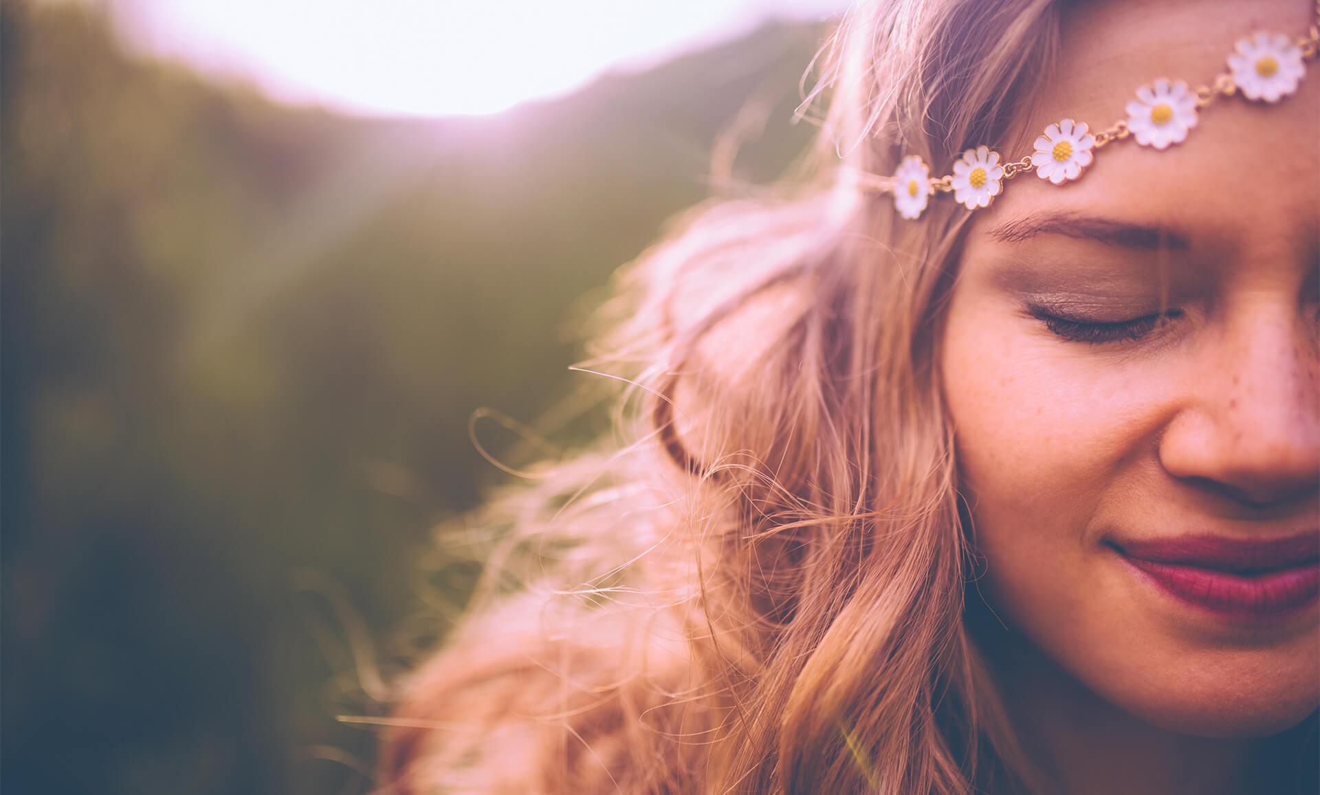 Ilonpilke Ekokampaamo laittaa hiukset kuntoon luonnollisesti